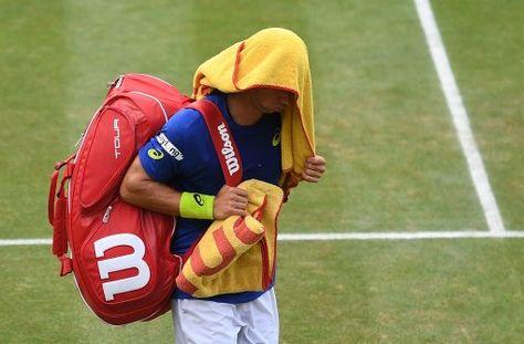 Das Endspiel zwischen Philipp Kohlschreiber und Dominic Thiem beim ATP-Tennisturnier in Stuttgart wird aufgrund von Regenunterbrechungen erst am Montag entschieden. Foto: dpa