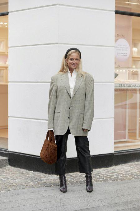Nueve Ideas Inspiradoras De Chaquetas Para Llevar Con Camisa Según El Street Style Estilo Calle Primavera Estilo De Calle Semana De La Moda