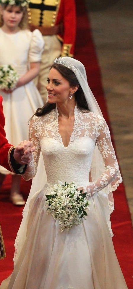 Princess Kate Wedding Day She S So Pretty Princess Kate Wedding Dress Kate Wedding Dress Famous Wedding Dresses