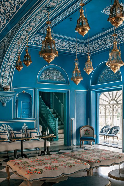 The Narain Niwas Palace in Jaipur India, which was built in 1928 as a country retreat for General Amar Singh, has since been transformed into a hotel designed by Marie-Anne Oudejans in a palette of energizing azure-blue and white. Architectural Digest, Indian Home Decor, Moroccan Decor, Indian Decoration, Modern Moroccan, Moroccan Design, Indian Architecture, Architecture Design, Residential Architecture
