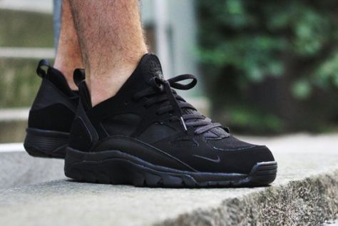 super quality super quality price reduced Nike Air Trainer Huarache Low Triple Black | Nike air trainer ...