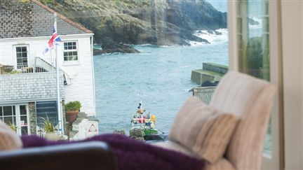 Harbour View Has Some Of The Most Beautiful Views That Cornwall Has To Offer Boutique Retreats Luxury Luxury Cottage Boutique Retreats Coastal Retreat