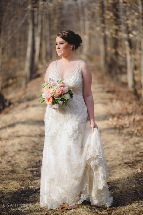 Bridal portrait in the woods for a winter wedding | Photo: Lisa Hibbert #njweddingvenue #wedding #bride #bridephoto #outdoorwedding #outdoorweddingvenue #weddingday #weddingphotos #brideandbride