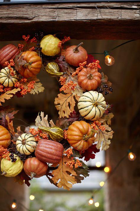 autumn wreath w/ pumpkins