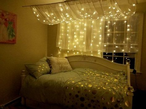 ↗ 90 Cozy Decor Ideas With Bedroom String Lights 10 #bedroomdecor #bedroomdesign #bedroomideas