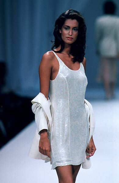 I'd almost forgotten about Canadian (of Pakistani-German descent) model Yasmeen Ghauri. Exotic and soigne!