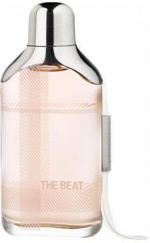 الوصف أبرزي سحر شبابك مع عطر ذا بيت النسائي من بيربري يتميز هذا العطر بكونه مزيجا انتقائيا من المكونات الحمضية وا Water Bottle Bottle Reusable Water Bottle