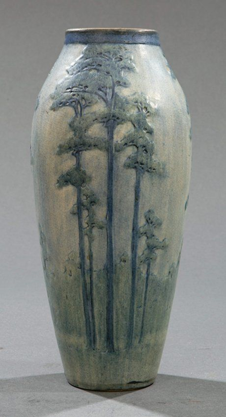 Newcomb College Art Pottery Vase : Lot 285