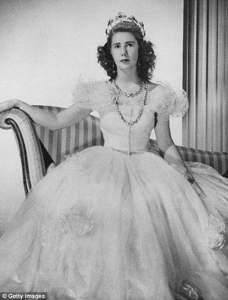 Spain's Duchess of Alba, among Europe's richest aristocrats, dies