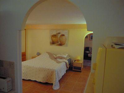 Une des chambres d'hôtes à vendre à Peymenade dans les Alpes Maritimes