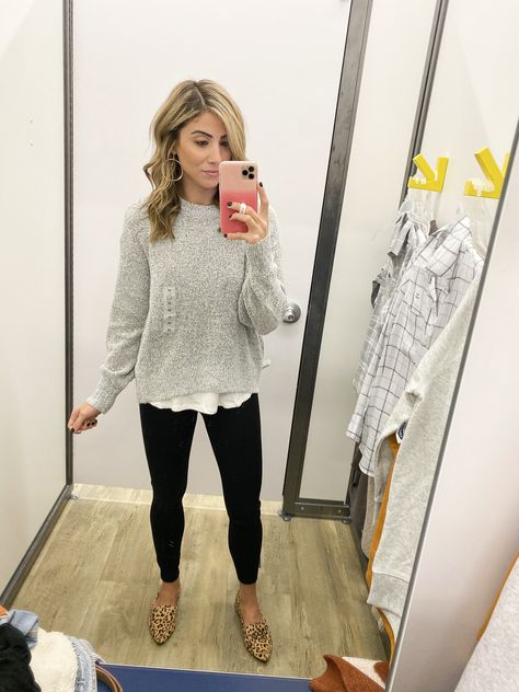 October Old Navy Try On - Lauren McBride - Casual Work Outfits Casual Teacher Outfit, Cute Teacher Outfits, Cute Outfits, Cute Teacher Clothes, Preschool Teacher Outfit, Teacher Outfit Summer, Comfortable Teacher Outfits, Elementary Teacher Outfits, Student Teaching Outfits