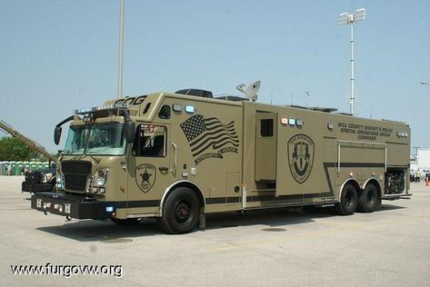 Will County Sheriff's Police Special Operations Group Command vehicle - epic Swat Police, Police Truck, Military Police, Police Cars, Fire Dept, Fire Department, Cool Trucks, Big Trucks, Ambulance