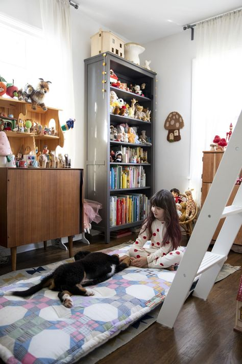 Between samples of new toys they might carry, products that arrived damaged and cannot be sold, and others that were returned in non-pristine condition, playthings arrive at their home almost daily—much to their 5-year-old daughter, Milo's, delight.