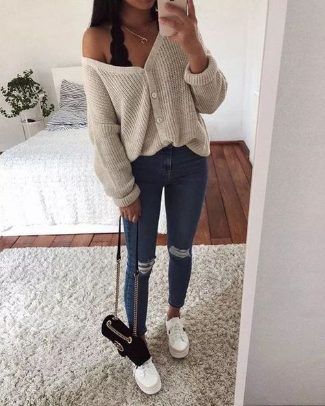 cute outfits for winter ~ cute outfits . cute outfits for school . cute outfits with leggings . cute outfits for women . cute outfits for school for highschool . cute outfits for winter . cute outfits for spring Winter Outfits For Teen Girls, Trendy Fall Outfits, Style Outfits, Cute Comfy Outfits, Cute Outfits For School, Winter Fashion Outfits, Mode Outfits, Look Fashion, Summer Outfits