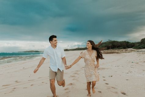 hawaii north shore engagement session / oahu engagement session / oahu couples shoot / oahu photoshoot / north shore engagement / engagement posing inspiration / engagement outfit inspiration / laie engagement session / engagement photo session / sheytography