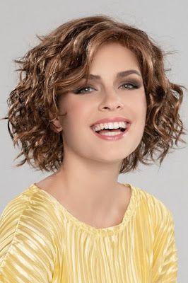 La Moda En Tu Cabello Estilos De Cabello Bob Rizado 2020 En 2020 Peinados Pelo Corto Cabello Risado Corto Pelo Media Melena En Capas