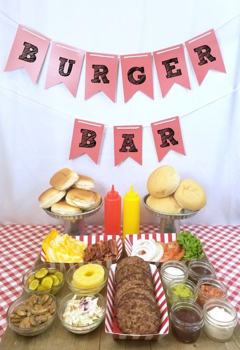 Ideas for putting together a burger bar including toppings your party guests will love. Great party idea and easy setup and clean up so you can enjoy the party! Burger Bar Party Idea - Burger Bar - Perfect for summer parties (AD) Bar A Burger, Burger Bar Party, Party Food Bars, Bbq Food Ideas Party, Bar Food, Bbq Ideas, Party Ideas For Kids, Sandwich Bar, Diy Party Bar