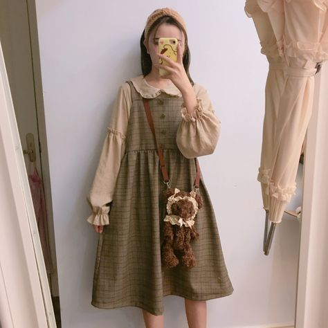 Do you think I should buy it? Mori Girl Fashion, Lolita Fashion, Aesthetic Fashion, Aesthetic Clothes, Goth Hippie, Nu Goth, Mori Mode, Vintage Outfits, Lolita Mode