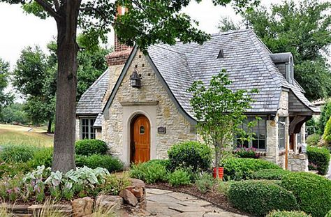 Shabby Cottage Archives - Home Style Corner Tudor Style Homes, Cottage Style Homes, Cottage House Plans, Cottage Design, Cottage Living, Stone Cottage Homes, Tudor House, Tudor Cottage, Shabby Cottage