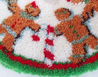 Vintage Latch Hook Christmas Tree Skirt Gingerbread Men