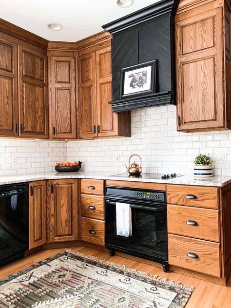 Modern And Trendy Kitchen Cabinets Ideas And Design Tips – Home Dcorz Home Decor Kitchen, Oak Kitchen Cabinets, Oak Kitchen, Kitchen Remodel, Kitchen Decor, Kitchen Redo, Home Kitchens, Kitchen Renovation, Kitchen Design