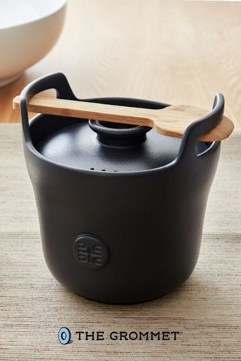 This ceramic rice cooker makes a delicious pot of rice every time. Cordless and compact, it boils on the stove for a few minutes and retains heat as it simmers and sits. Its lid ensures water won't boil over, while condensation drips down to prevent freshly cooked rice from drying out.
