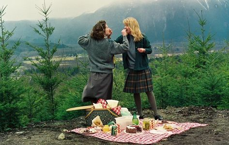 Twin Peaks, Want A Girlfriend, Laura Palmer, Film Aesthetic, Coming Of Age, Hopeless Romantic, Girls In Love, Poses, Dream Life