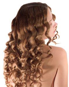 Vos cheveux sont secs et cassants ? Redonnez à vos cheveux abimés du tonus et de la vitalité ! Avec ce masque capillaire maison les cheveux secs et/où frisés seront nourris en profondeur et disciplinés. Offrez à votre chevelure des soins naturels adaptés !