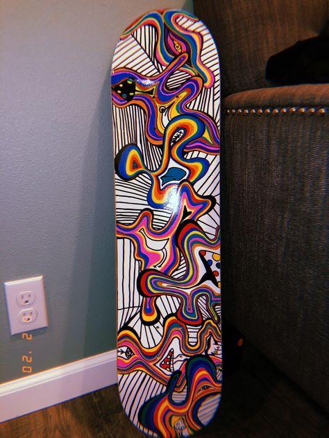 Custom Skateboard Decks, Painted Skateboard, Skateboard Deck Art, Custom Skateboards, Skateboard Design, Cool Skateboards, Grip Tape Designs, Trippy Painting, Skate Girl