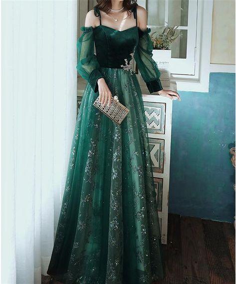 Green Ball Dresses, Green Wedding Dresses, Dark Green Prom Dresses, Cute Prom Dresses, Ball Gown Dresses, Long Bridesmaid Dresses, Tulle Dress, Elegant Dresses, Pretty Dresses