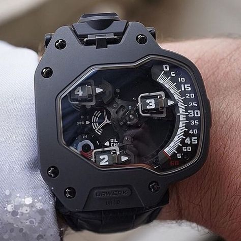 The Urwerk in AlTiN and titanium on the wrist. The Urwerk in AlTiN and titanium on the wrist. Amazing Watches, Cool Watches, Unique Watches, Mens Gear, Luxury Watches For Men, Converse All Star, Smartwatch, Men's Accessories, Devon