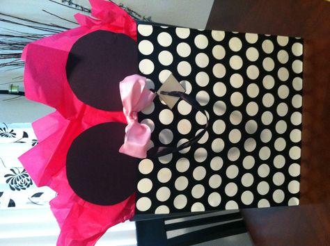 Minnie Mouse Birthday Gift Bag Idea