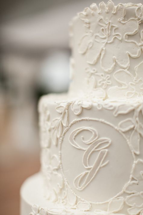 monogrammed lace confection by http://weddingcakesbyjimsmeal.com/  Photography by julietelizabeth.com