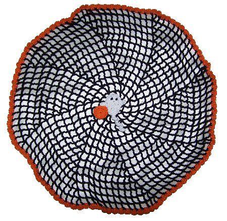 Free Crochet Pattern - Halloween Spiral Spider Web - Simple and Elegant!