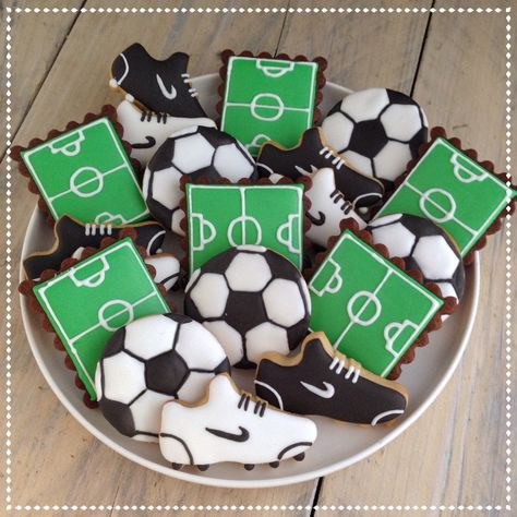 Voetbal koekjes Soccer cookies (shoes, field, ball)