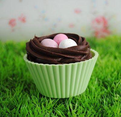 "Easter ""Banana"" Cupcake"