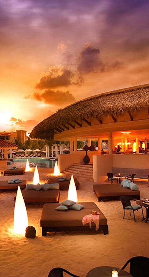 The Gabi Club at the Paradisus Punta Cana Resort in the Dominican Republic • photo: Barry Grossman