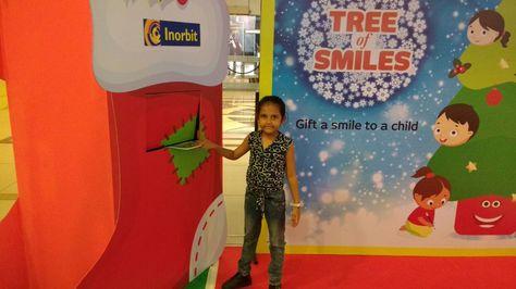Little Harshita turned Santa this Christmas with Tree of Smiles #InorbitMakesMeSmile