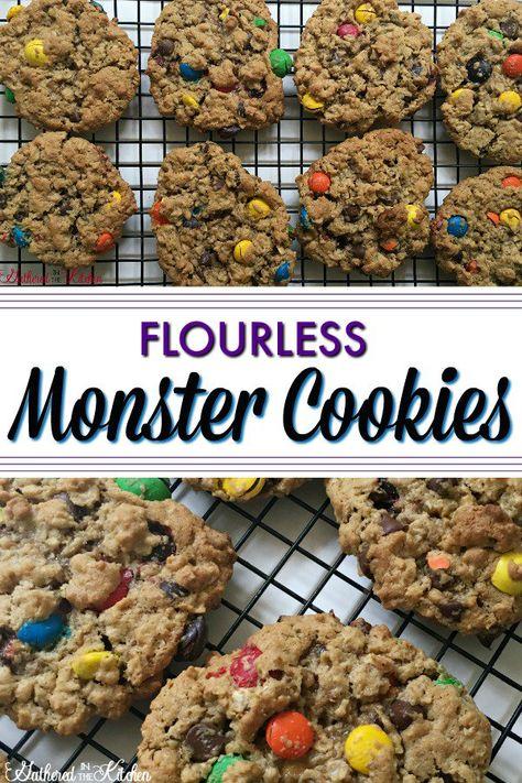 Flourless Monster Cookies #monstercookies #chocolatechipcookies #noflourmonstercookie #oatmealcookies