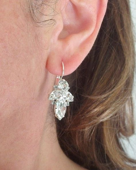 #weddings #jewelry #earrings #bridesmaidgift #bridalearrings #vintageearrings #bridesmaidsearrings #bridalwedding #swarovskiearrings #crystalearrings #crystaldropearring #bridalearringsdrop #bridalearringsilve #pealearrings #pearlbridalearring #whiteopalearrings
