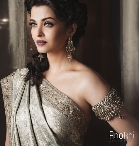 It's time you got a top bollywood fashion outfits - the passion of bollywood is the pride of newindia. Press Visit link above for more options - Bollywood Fashion
