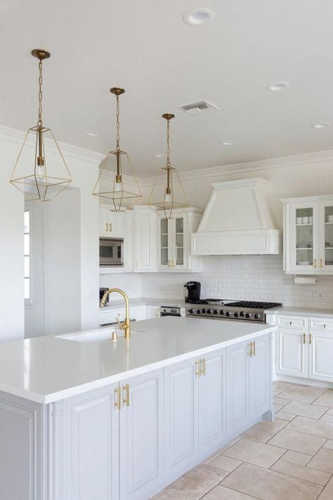 How To Choose A Dish Every Day In 2020 White Modern Kitchen