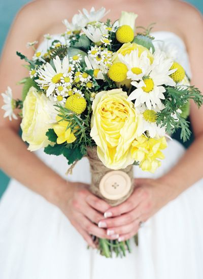 yellow bouquet with a burlap wrap + button brooch | Jamie Clayton #wedding