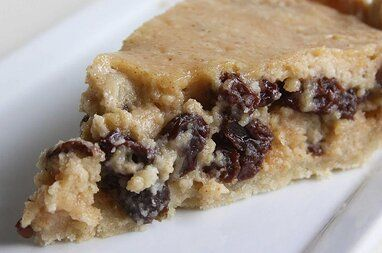 Norwegian Sour Cream And Raisin Pie Recipe In 2020 Raisin Pie Sour Cream Raisin Pie Raisin Pie Recipe