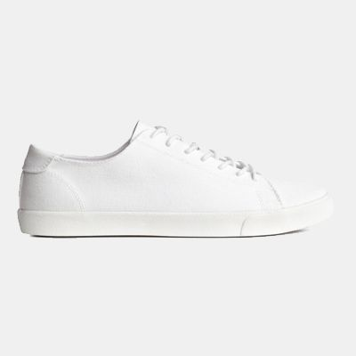 e22d27526 Quick   Simple Guide To The 10 Best White Sneakers in 2019 - OnPointFresh