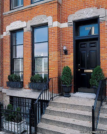 Black Trim On Red Brick Row House Red Brick House Facade House