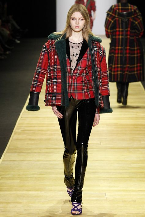 Barbara Bui Fall 2016 Ready-to-Wear Fashion Show. love the mix of plaid and green