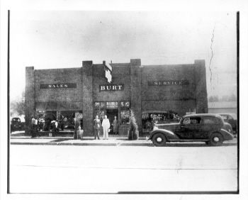 Burt Was A Long Time Chevrolet Dealer In Englewood Located At 3300 S Broadway Picture Is From 1940 Englewood Colorado Burt Englewood