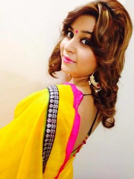 Anara Gupta beautiful wallpaper in yellow saree | Bollywood actress bikini, Beautiful indian actress, Bhojpuri actress