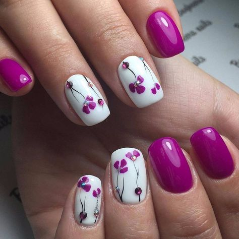 Simple Flower Chain Nail Art (With images) | Flower nails